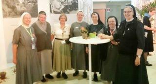 Auch gabe es viele Begegnungen mit Schwestern anderer Kongregationen. Foto: privat