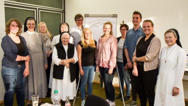 Die Gründungsmitglieder des Fördervereins Brückenschlag e.V. bei der Vereinsgründung am 9. Juni 2017. Foto: SMMP/Ulrich Bock