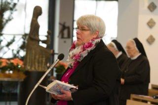 """Schwester Hanna singt: """"Ich leg' mein Leben für Dich hin. Alles, was ich hab' und bin."""" Foto: SMMP/ULrich Bock"""