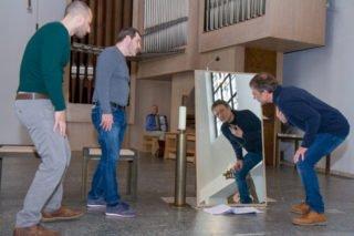 """Die Spiegel machen deutlich: """"Judas ist jeder von uns."""" Foto: SMMP/Ulrich Bock"""