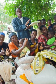 Gemeindeversammlung in Metarika, Mosambik. (Foto: Achim Pohl/SMMP)