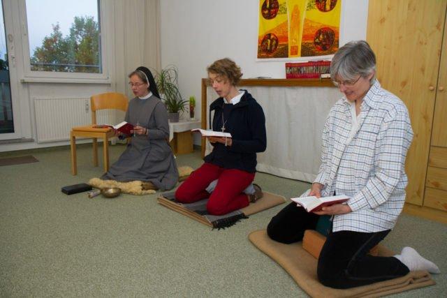 Morgens beginnt der Tag in dem Konvent mit einer gemeinsamen Meditation. Foto: SMMP/Bock