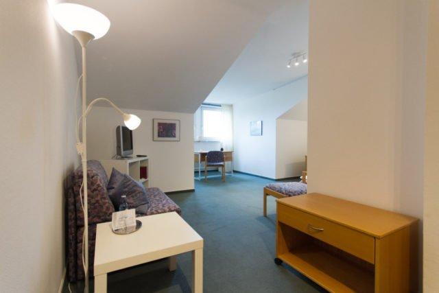 Einzelzimmer im Gästehaus (Komfort)