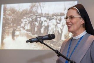 Gemeinsam geben Schwester Maria Thoma Dikow (Foto) und Schwester Klara Maria Breuer eine Einführung zur Wandlung des Missionsbegriffs. Foto: SMMP/Ulrich Bock