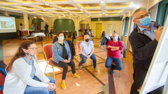 In den Workshops des Küchenleiter-Meetings wird eifrig diskutiert. Sofort gibt es eine Menge Ideen - aber auch Fragen. Foto: SMMP/Ulrich Bock